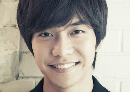 Foto Close up Lee Seung-gi