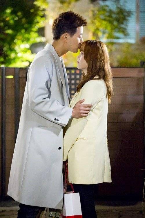 Foto Pacaran Lee Sang-yoon dan Ku Hye-sun