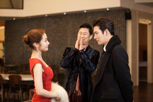 Foto Romantis Park Min-young dan Ji Chang-wook3