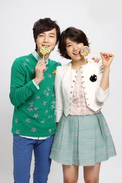Foto Romantis Park Shin-hye dan Jang Geun-suk5