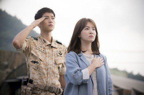Foto Romantis Song Joong-ki dan Song Hye-kyo