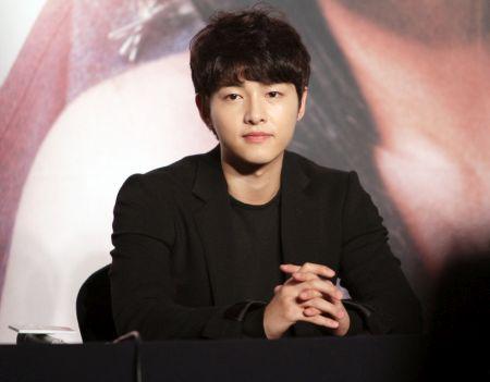 Foto Song Joong-ki Tampan 1