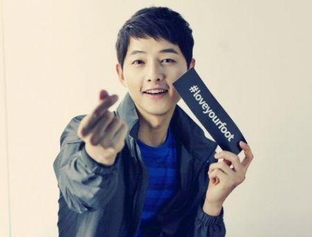 Foto Song Joong-ki Tampan 13