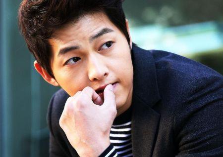 Foto Song Joong-ki Tampan 17
