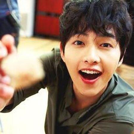 Foto Song Joong-ki Tampan 27