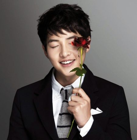 Foto Song Joong-ki Tampan 32