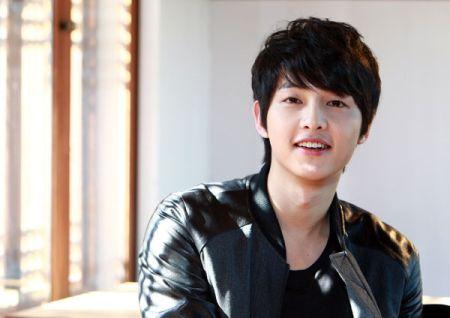Foto Song Joong-ki Tampan 6