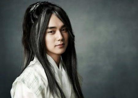 Yoo Seung-ho sebagai Kaisar Langit