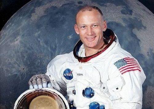 Foto Buzz Aldrin