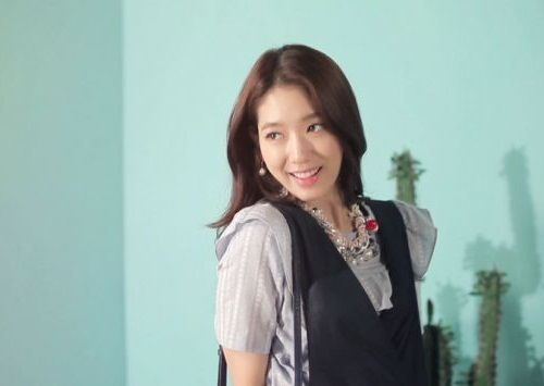 Foto Senyuman Park Shin-hye Terbaru3