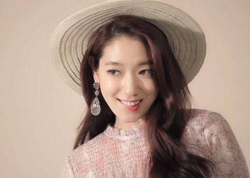Foto Senyuman Park Shin-hye Terbaru5