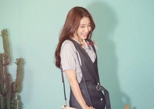 Foto Senyuman Park Shin-hye Terbaru9