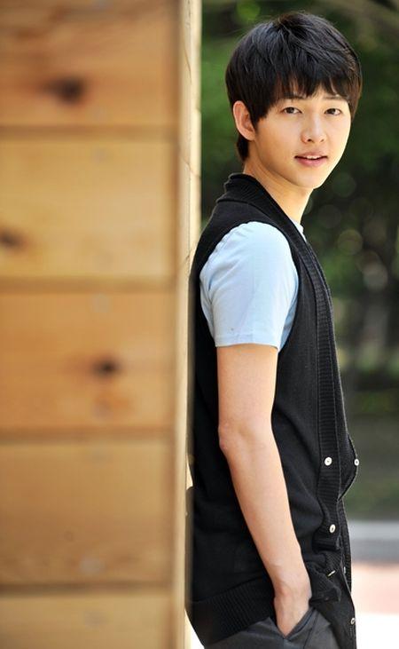 Foto Song Joong-ki Saat Masih Culun