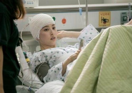Han Hye jin dalam Doctors