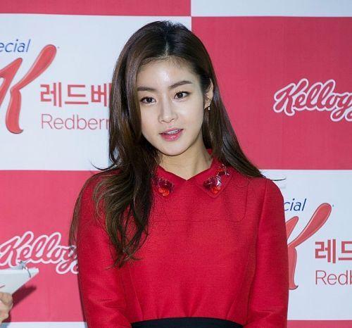 Foto Kang Sora 2016