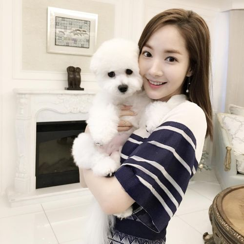 Foto Park Min-young 2016